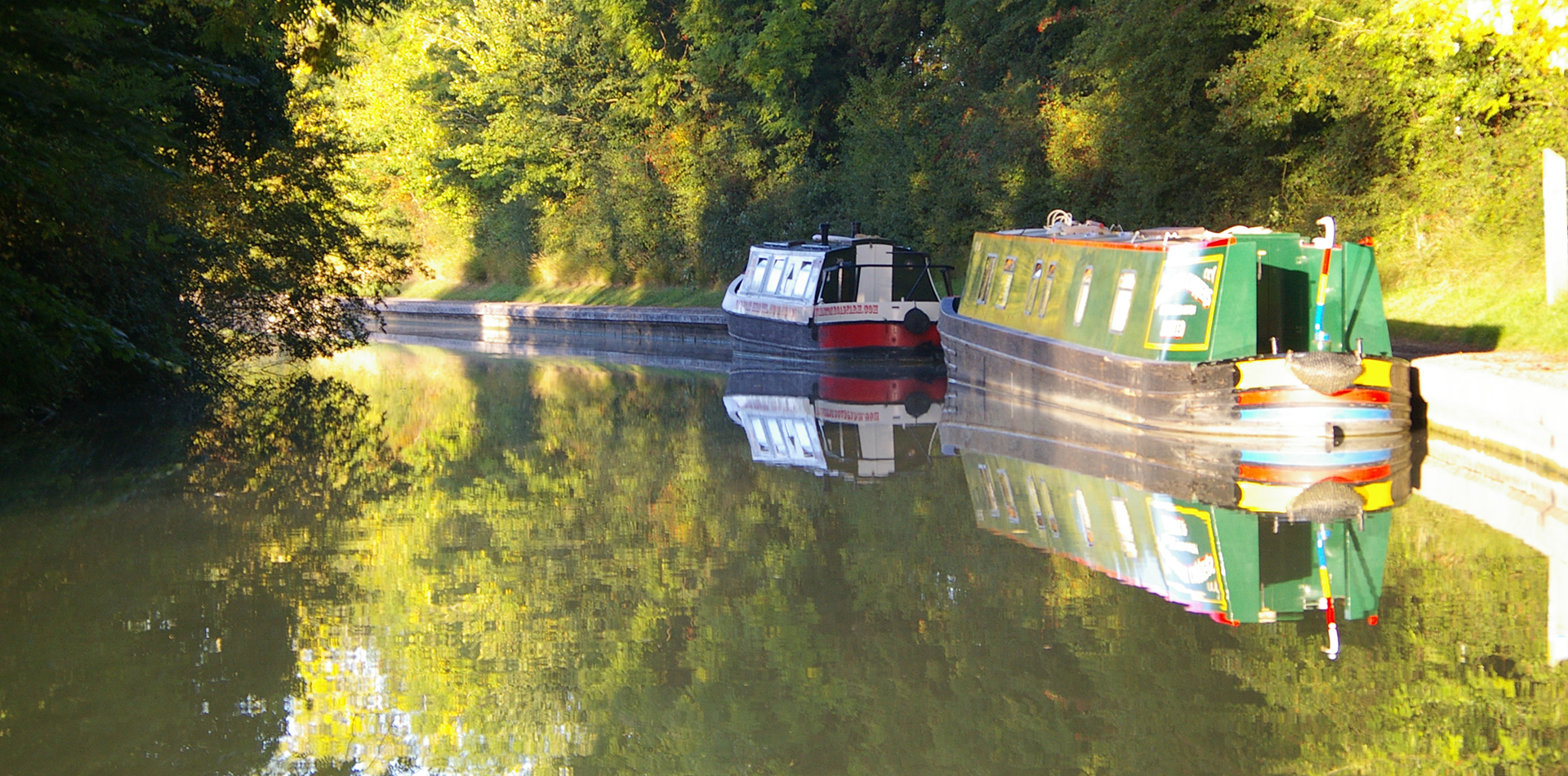 ESCAPE WITH A  CANAL BOAT HOLIDAY